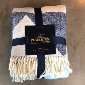 Pendleton Home Collection Throw NWT